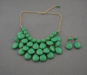 Sale 2013 Green Beadwork bib necklace,Teardrop-shaped necklace, bubble necklace,bib Bubble Necklace,drape bib necklace